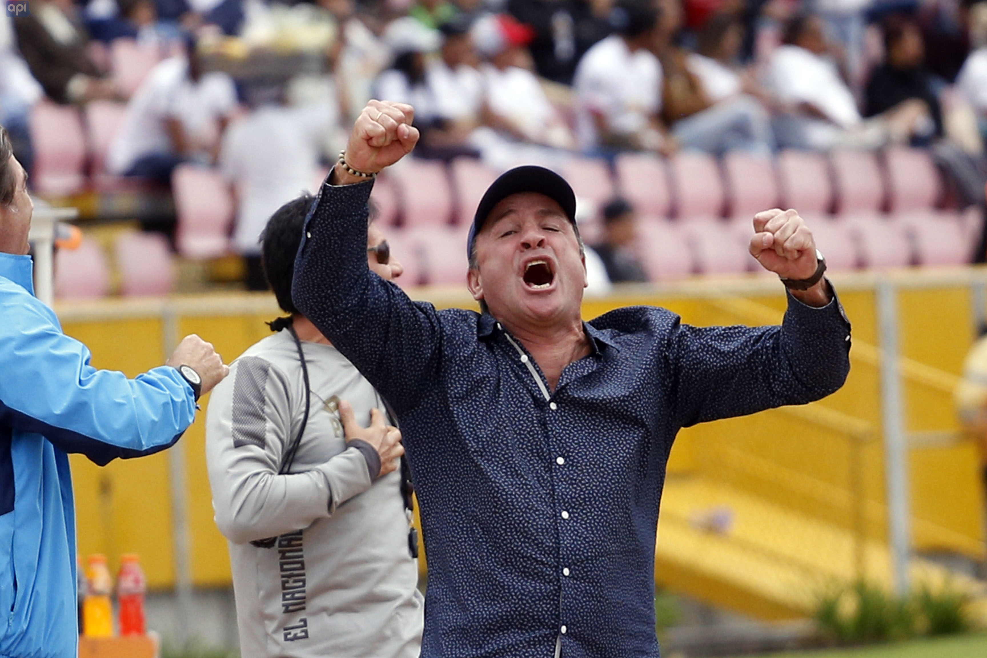 """Eduardo Favaro mantiene la esperanza en que podrá clasificar a su equipo a Copa Sudamericana antes de retirarse del """"Nacho"""""""