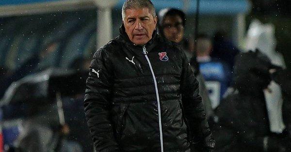 Además de Zambrano, el equipo cesó también al preparador físico, Norberto Salamanca, según recoge un breve comunicado del Medellín