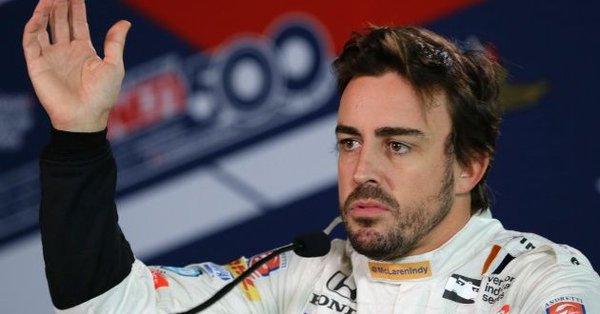 El español consideró abandonar para centrarse de lleno en las competiciones de Indianápolis 500 y las 24 horas de Le Mans 24