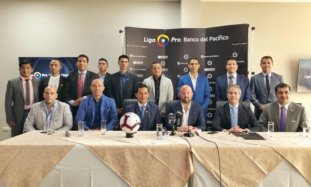 """La Liga Pro manejará los valores a cancelar de los jueces, quienes consideraron que es un """"día histórico"""" para los árbitros del país"""