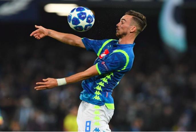 El jugador del Nápoles no podrá estar con la 'Roja ' aquejado de una fiebre