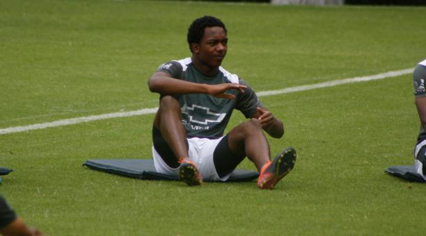El joven delantero confía en lograr buenos resultados, pero el plantel necesita tiempo