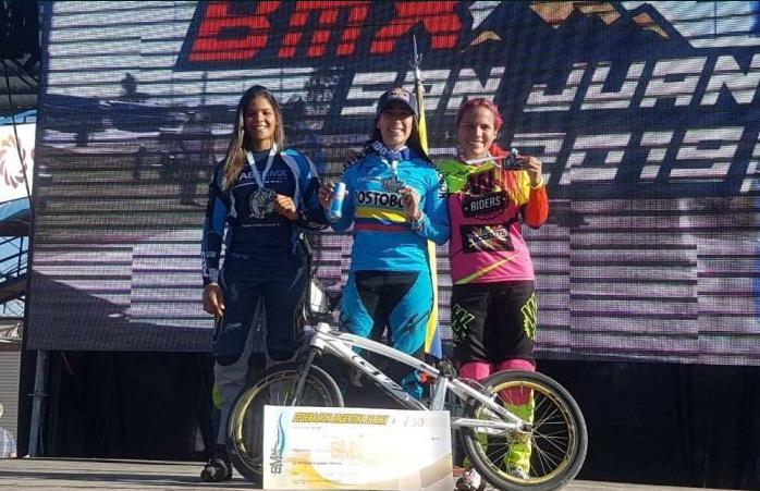 Mariana Pajón dominó la final élite de la Copa Sudamericana de BMX, y cuyo podio fue completado por la ecuatoriana Doménica Michelle Azuero y la brasileña Paola Reis Santos