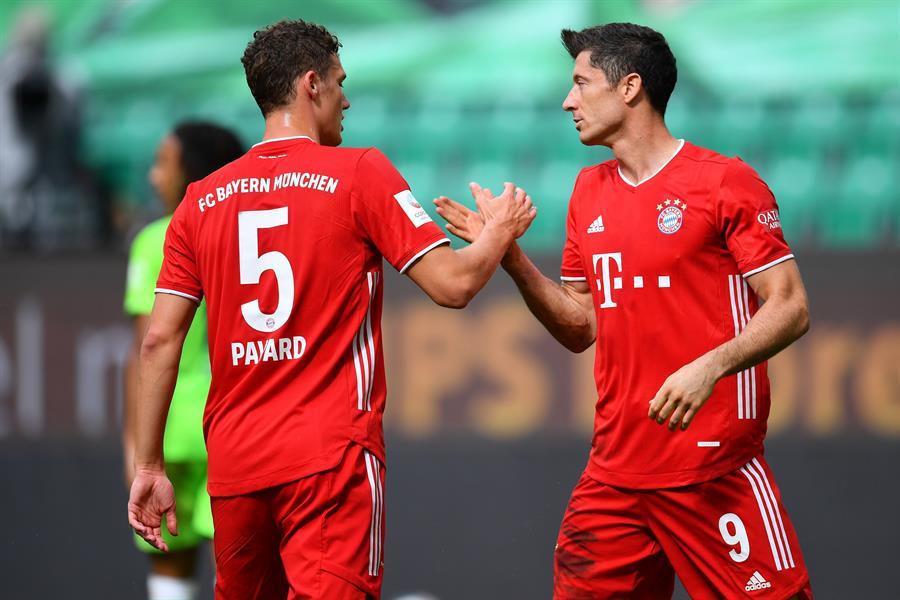 El inglés Jadon Sancho, joven ala del Borussia Dortmund, cerró el podio de la temporada con 17 goles