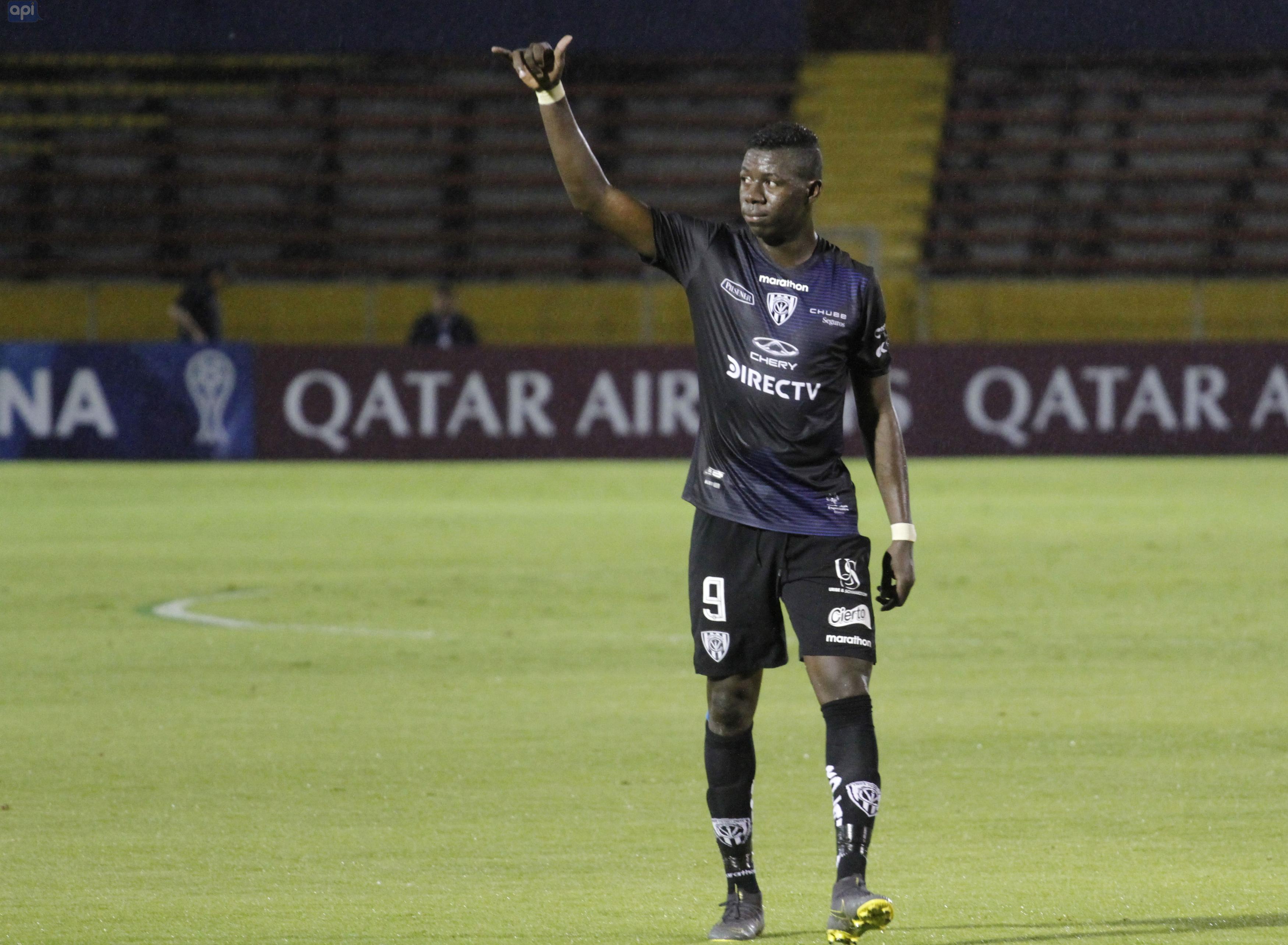 Alejandro Cabeza, destacado en el triunfo de IDV, celebra estar un paso más en Copa Sudamericana