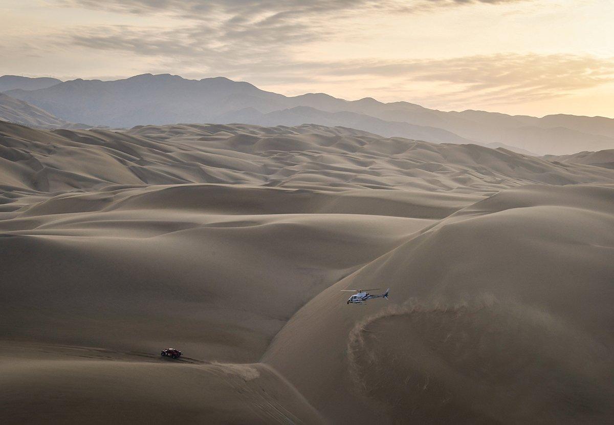 La caravana del Dakar, compuesta por 337 vehículos de competición, se adentrará durante diez etapas, del 7 al 17 de enero, en este desierto