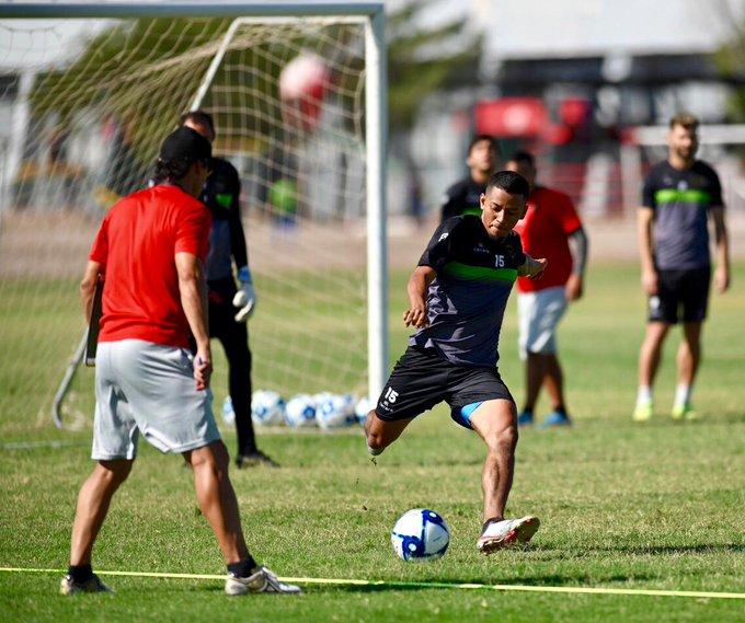 Jefferson Intriago ya puede jugar en Juárez luego del litigio con Liga de Quito