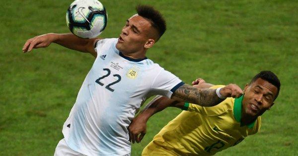 """El agente dijo que durante la Copa América de Brasil hubo una conexión """"tremenda"""" entre el delantero de 21 años y Lionel Messi"""