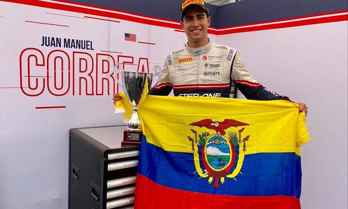 """""""En dos semanas me treparé por primer vez en un carro de F1"""", anunció Correa este miércoles en una rueda de prensa en Quito"""