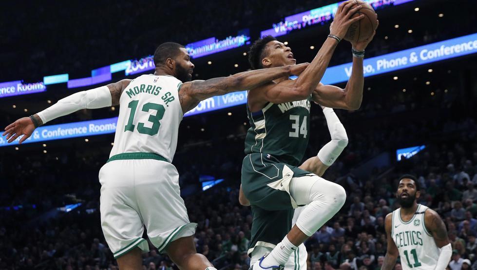 El griego volvió a ser la gran estrella de los Bucks al aportar un doble-doble de 39 puntos, 16 rebotes y cuatro asistencias que permitieron a su equipo vencer a domicilio 101-113 a los Celtics