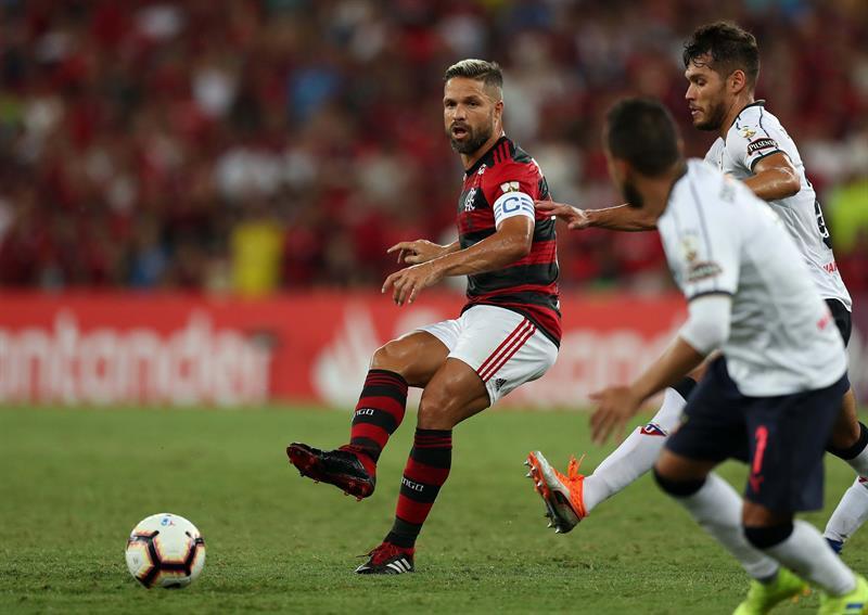 """El Flamengo le bailó a la """"U"""" en el Maracaná y tomó el primer lugar del Grupo D de la Copa Libertadores"""