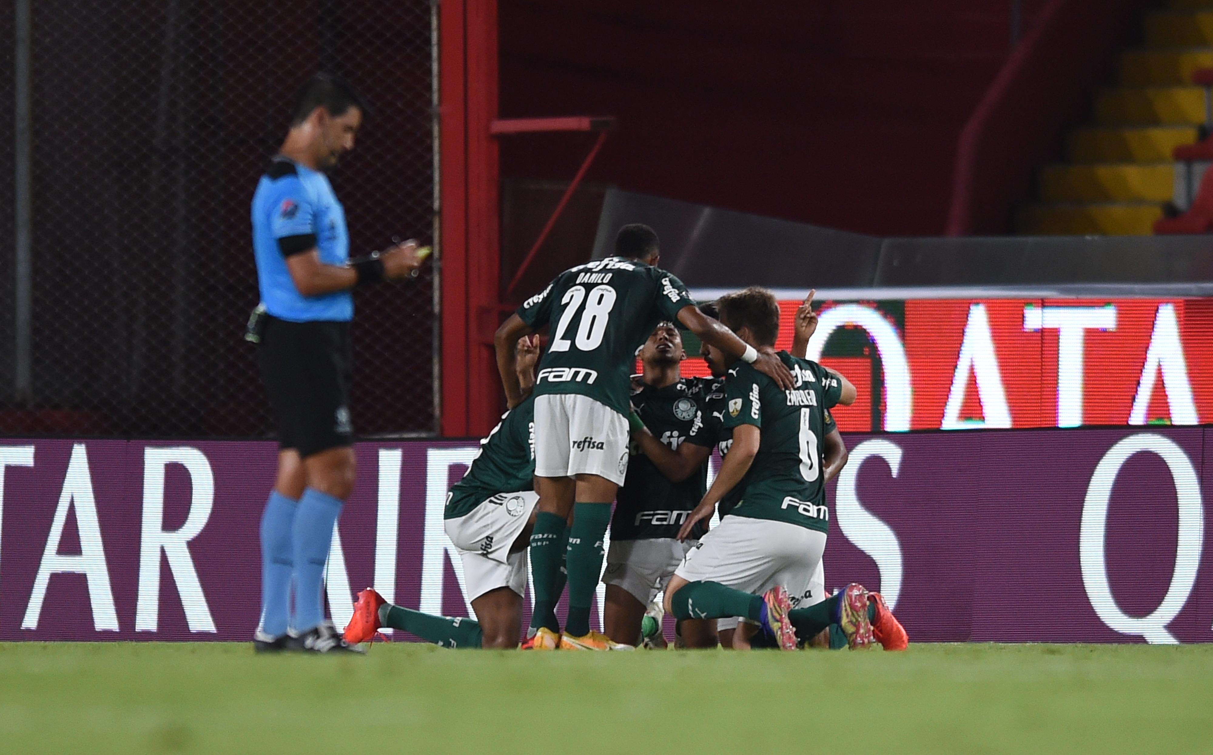 El cuadro brasileño sorprendió de visitante y definirá la serie con una ventaja de tres goles