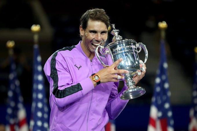 El tenista español tiene 9.225 en el ránking de la ATP, por los 9.865 de Djokovic, mientras que el podio provisional lo cierra el suizo Roger Federer, con 7.130