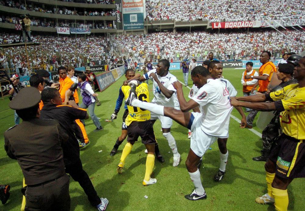 Agustín Delgado recordó el incidente que tuvo con jugadores del 'Ídolo', cuando vestía la camiseta de Liga de Quito