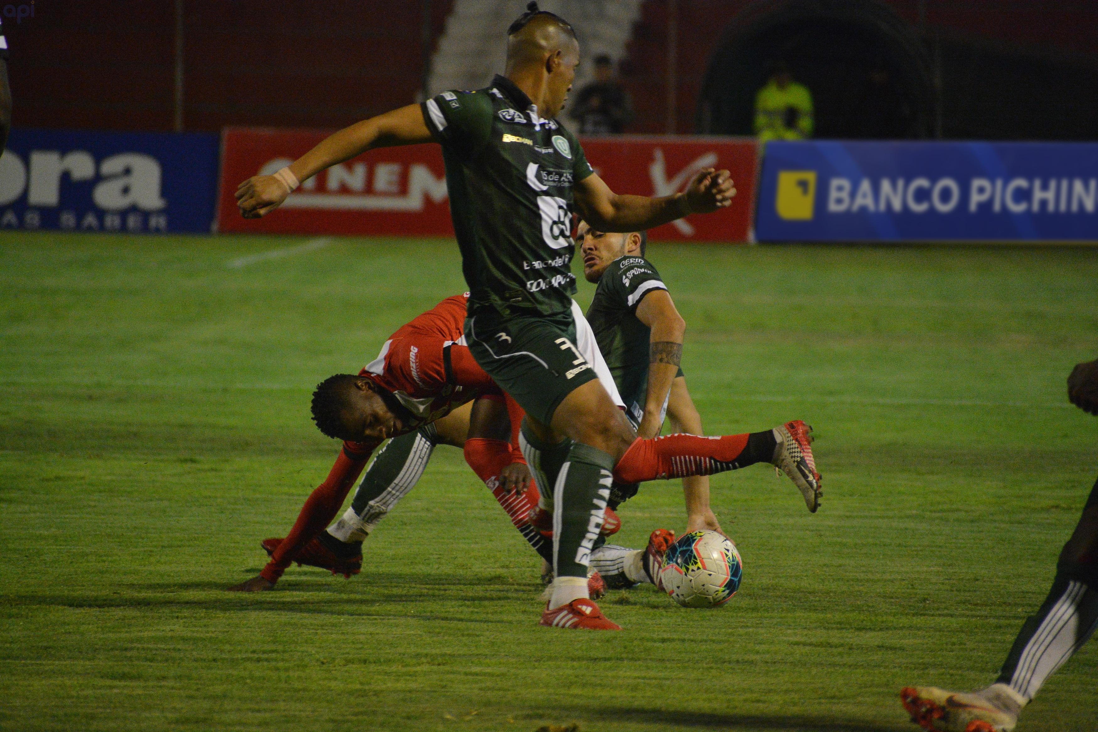 Luis Luna se refirió a la situación que atraviesan los jugadores de Liga de Portoviejo