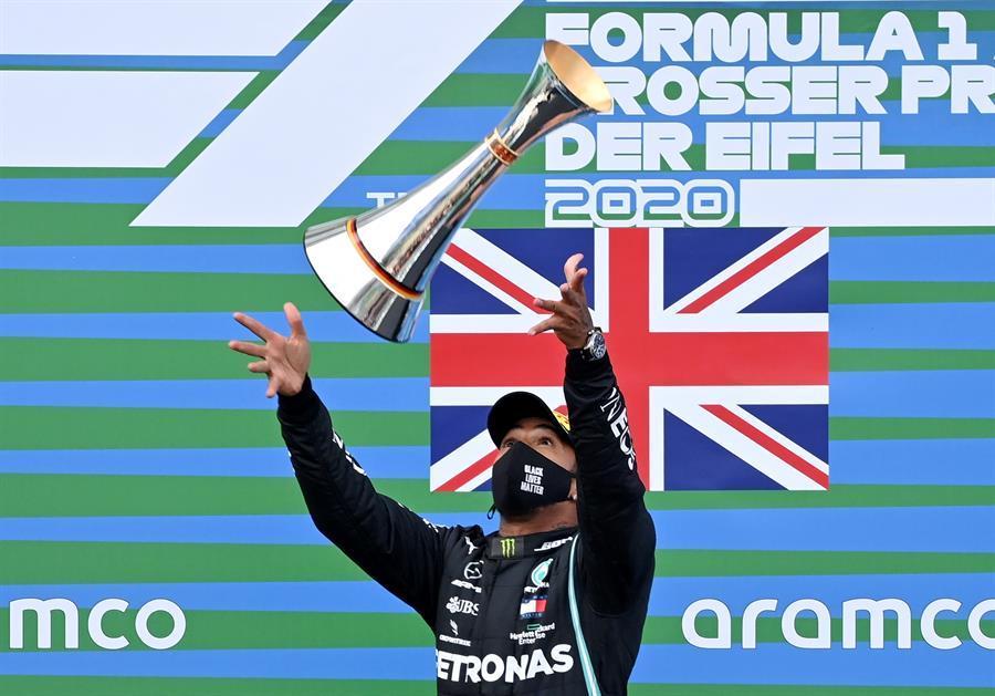 El británico no tuvo problemas para vencer en Alemania y hacer historia en la F1
