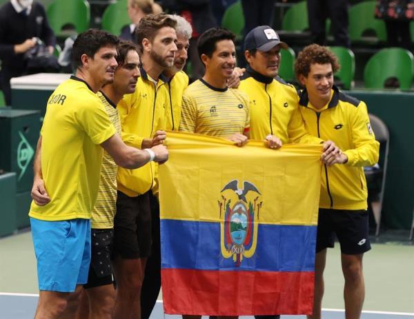 El equipo de Ecuador sentenció en el doble a Japón e hizo historia al obtener el billete para las Finales de la Copa Davis en Madrid