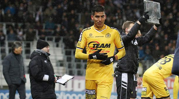 El volante ecuatoriano jugó de titular y fue elegido como el mejor jugador del partido
