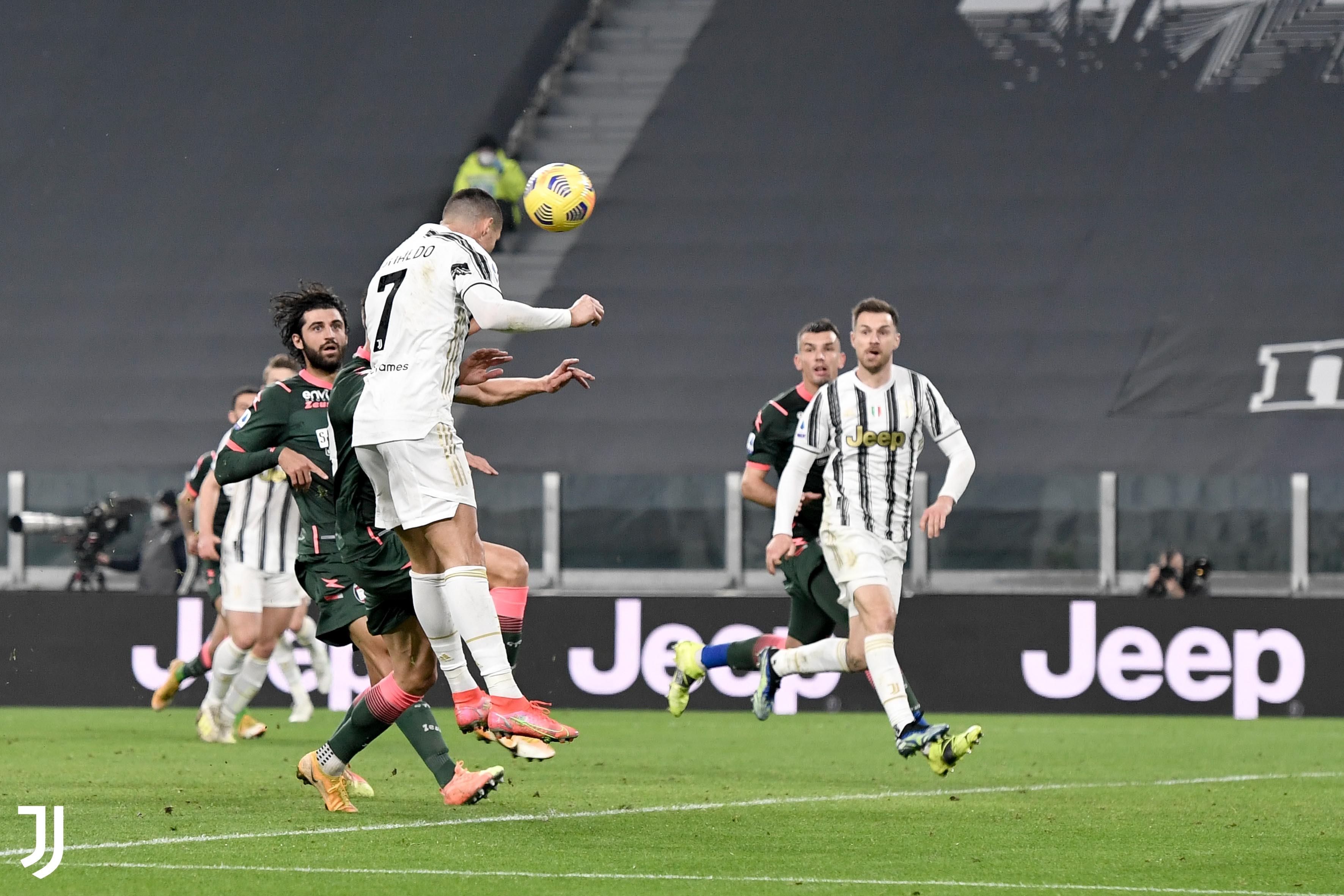 Cristiano Ronaldo fue la figura del cuadro de Turín al marcar un doblete