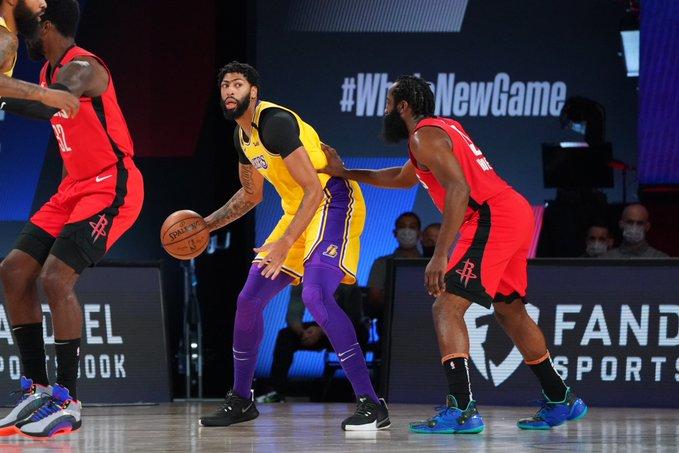 LeBron James y Anthony Davis volvieron a comandar el plantel en el triunfo de este jueves