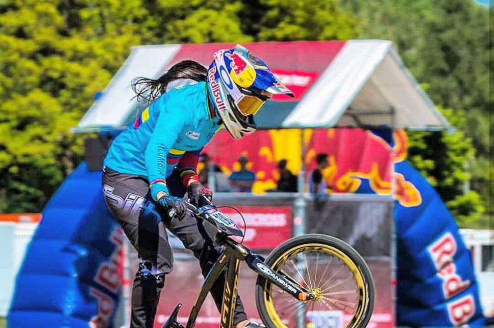 La ciclista colombiana fue acusada de pretender vender sus bicicletas
