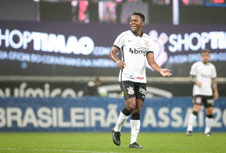 Técnico de Corinthians alabó a Juan Cazares luego de su brillante actuación en la última fecha del Brasileirao
