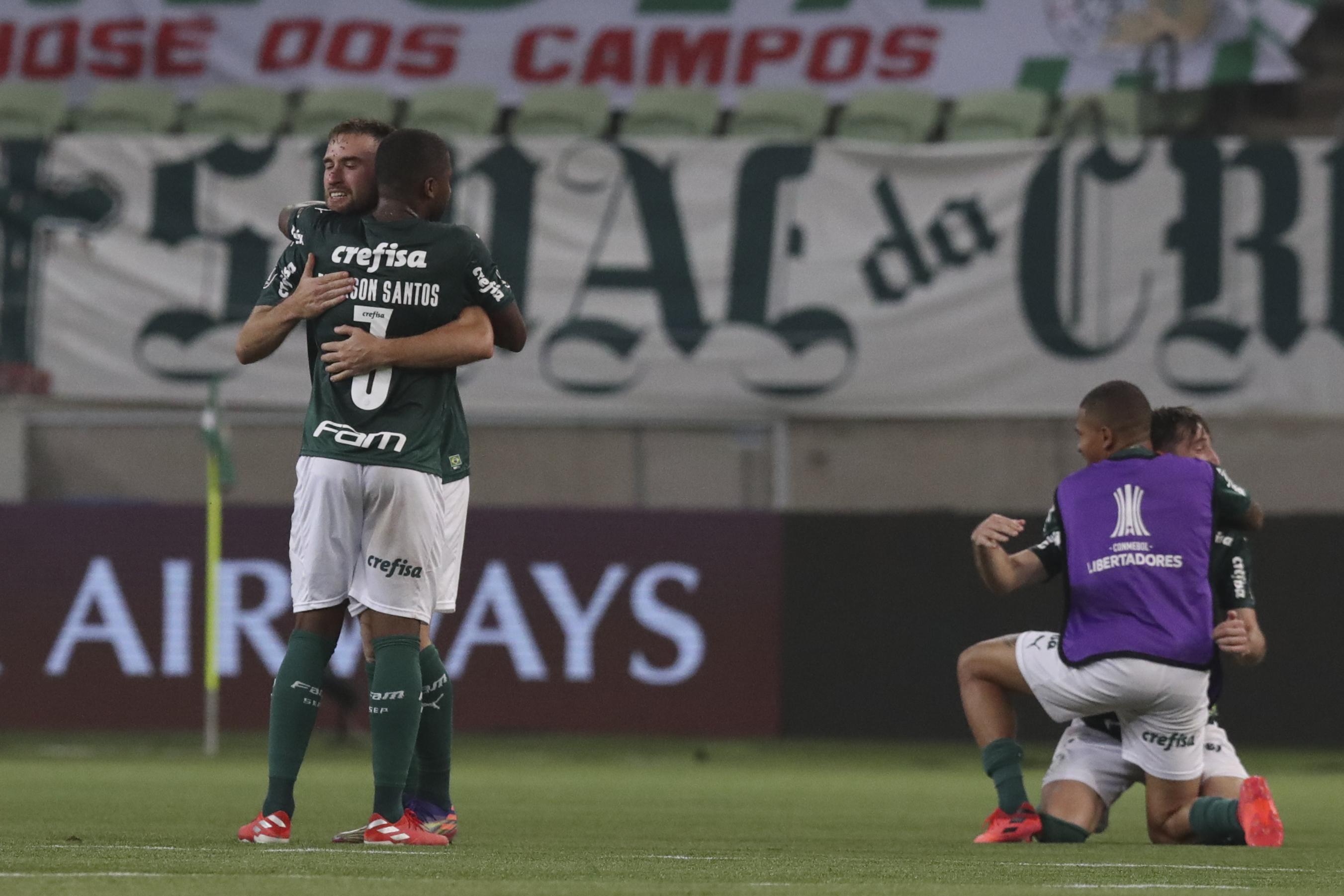 El cuadro brasileño se impuso en el global y espera por Boca Juniors o Santos