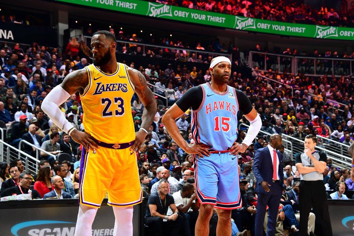 El alero consiguió un nuevo triple-doble, sin embargo, Los Lakers no pudieron superar a los Hawks de Atlanta