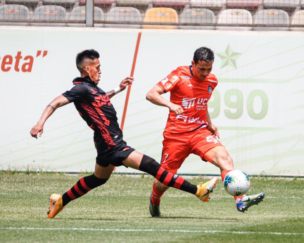 El ecuatoriano jugó 69 minutos y su escuadra es líder del Grupo B, en el torneo peruano