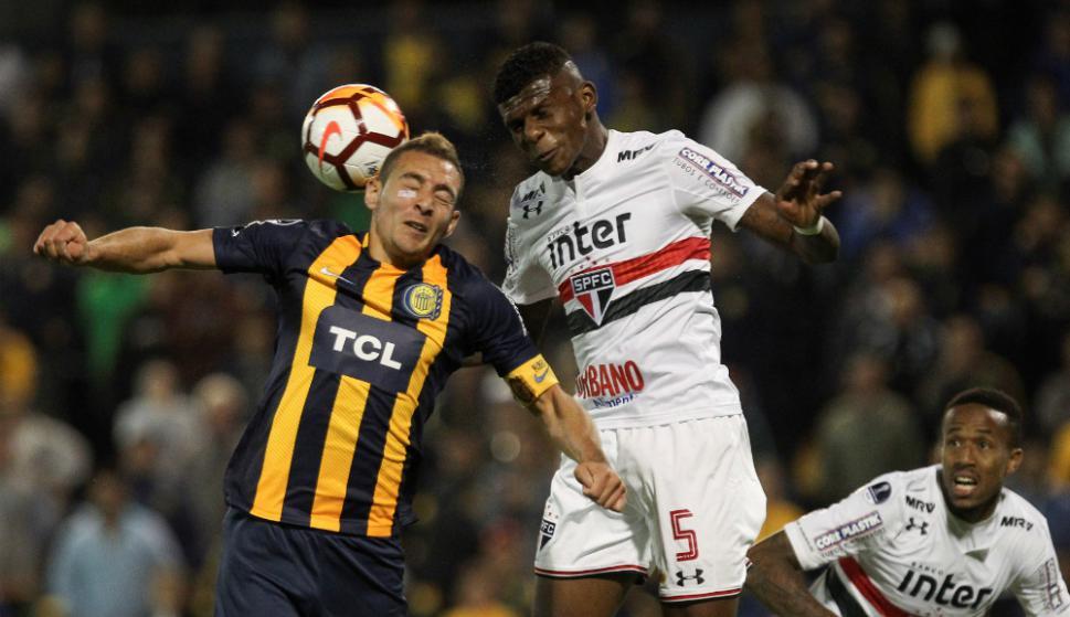 El ecuatoriano jugó los 90 minutos con Sao Paulo en el empate ante Corinthians, que no contó con Junior Sornoza