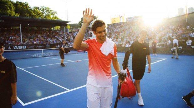 Ferrer se había impuesto en primera ronda al holandés Robin Haase por 6-2 y 6-1, pero este miércoles no pudo seguir su camino por el cuadro del torneo de Auckland