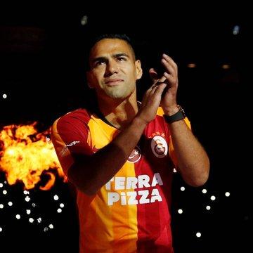 """""""Desde el principio de junio, que había el interés del Galatasaray, no dudé en ningún momento aprovechar la oportunidad"""", dijo el colombiano"""