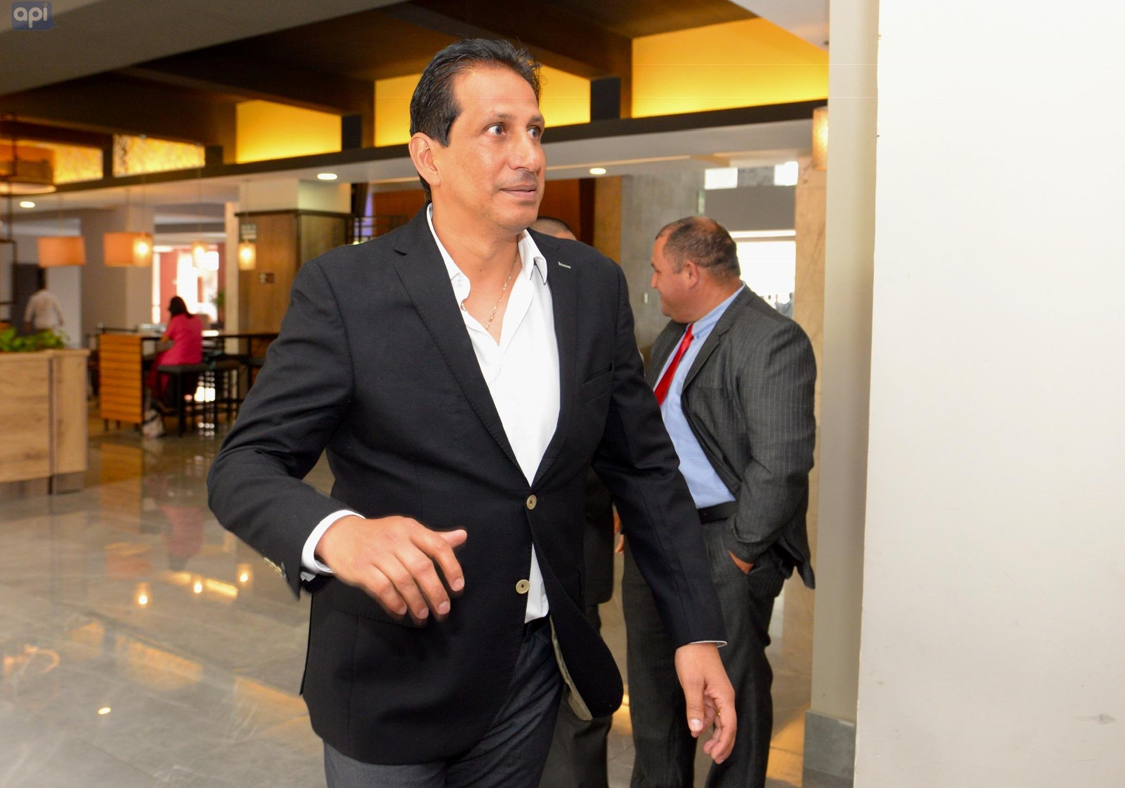 """El directivo del """"Ídolo"""" se mostró sorprendido por las declaraciones de Almada y se refirió a la posible salida de Michael Arroyo"""